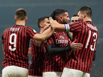Milan golea y avanza a cuartos de Copa Italia