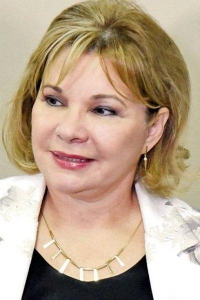 "Exviceministra de Tributación se autoasignó Gs. 700 millones en ""premios"" por multas cobradas"