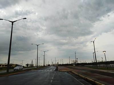 Jueves caluroso y con lluvias, pronostica Meteorología