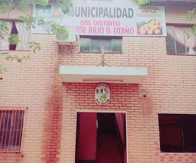 Estudiantes tomaron sede municipal de Mayor Otaño
