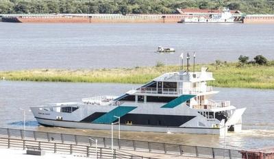 HOY / El festejado Ferry que entró en  servicio hace 10 días chocó y  no funciona hasta nuevo aviso