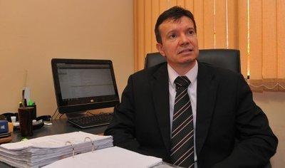 Arregui: Con los fondos actuales, Seprelad no podrá controlar dinero sucio en campañas políticas