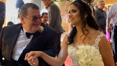 Friedmann sale en defensa de su esposa joven