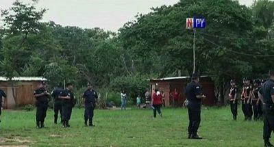 Familias abandonan inmueble en J. Augusto Saldívar y denuncian estafa