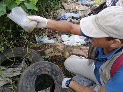 Anuncian sanciones administrativas, allanamientos y apertura de causas penales para quienes incumplen limpieza de baldíos y lugares criaderos de mosquitos.