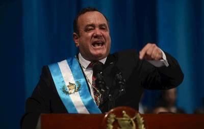 El nuevo presidente de Guatemala rompe relaciones con el Gobierno de Maduro