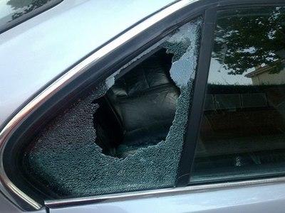 Tortoleros roban objetos de un vehículo en Santa Rita