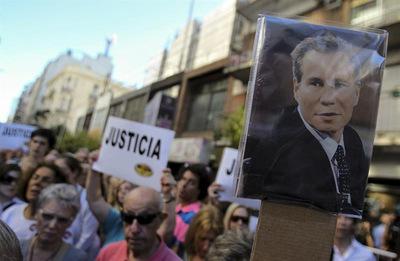 Alberto Nisman: los 4 misterios sobre la muerte del fiscal argentino que examina la serie de Netflix
