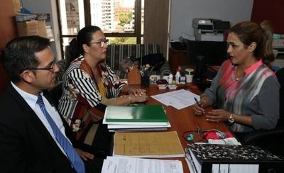 HOY / Fiscala imputaría hoy a Ferreiro por lesión de confianza y tráfico de influencia