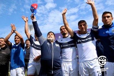 Maradona asegura el fichaje de otro paraguayo