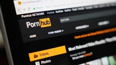 Un hombre sordo demandó a una página porno por no tener videos con subtítulos
