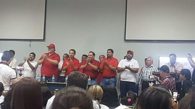 """ARN: Precandidatos a intendente acuerdan """"campaña sin agresiones"""" en CDE"""