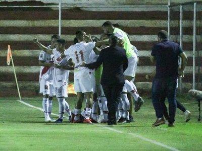 River Plate se presenta en el Apertura goleado a Sol de América