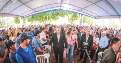 """Serie de """"jápis"""" oficiales en acto en Ñeembucú"""