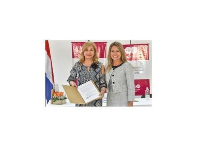 Luz María Bobadilla asumió ayer la dirección del  IMA