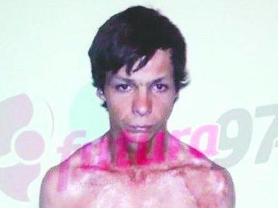 Por  foto con un amigo, raptó y garroteó a su novia de 15