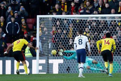 Gazzaniga salva al Tottenham de la derrota