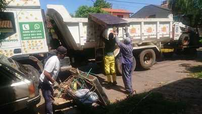 """Lanzan el servicio de recolección de basura """"El Voluminoso Mbopí"""""""
