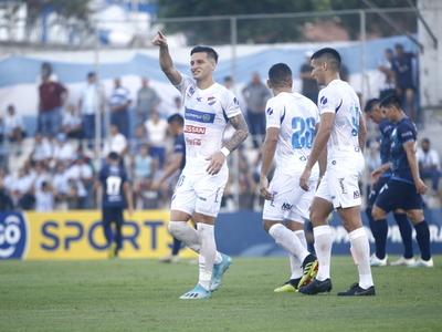 Nacional arranca la temporada con el pie derecho