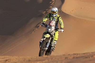 Un motociclista del Dakar sigue en cuidados intensivos