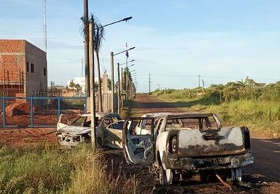 Hallan vehículos incinerados que se habrían utilizado para la fuga