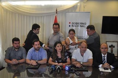 Ministra confirma que son 75 los reos que se fugaron del penal de PJC