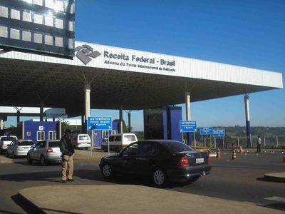 Brasil cierra su frontera con Paraguay