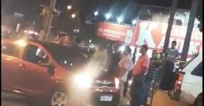 Otro Uber atacado y acusan a taxistas