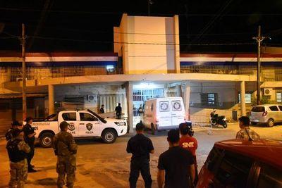 Despliegue de seguridad en torno al Penal de Tacumbú y se reportaron internos heridos