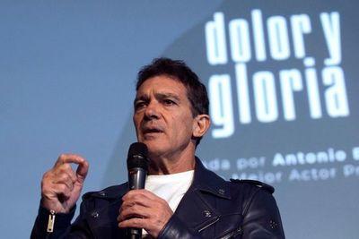 """Antonio Banderas, ¿un """"actor de color"""" en EE.UU. por hablar español?"""