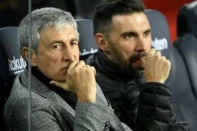 HOY / Setién supera con nota holgada su debut en el banco del Camp Nou
