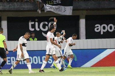 """""""Tetracampeón"""" inició con el pie derecho el Apertura"""