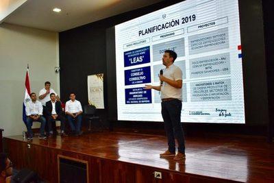 Presentan planes para formalizar a empresas
