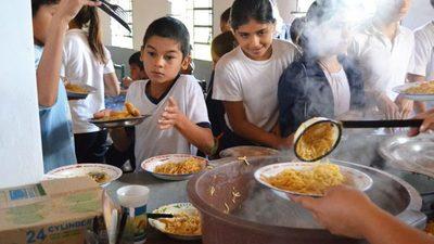 Gobernación de Paraguarí dio US$ 3 millones por almuerzo escolar