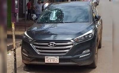 Hermano de Prieto denunciado por romper parabrisas de un vehículo