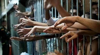 HOY / Diez masacrados, una mujer   convocada para morir, fugas  y motines: terror en cárceles