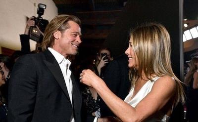 "HOY / Se ""echaron ojo"", se tocaron,  sonrieron: Brad Pitt y Jennifer  desatan chismorreo mundial"