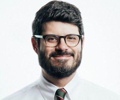 Designan a abogado Gross Brown como asesor especial en Itaipú