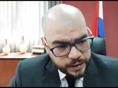 """Fiscal suspendido dijo que quedó """"perplejo"""" por supuesto informe del Brasil"""