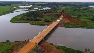 Inauguran puente sobre el río Acaray para dinamizar producción y el tránsito en Alto Paraná