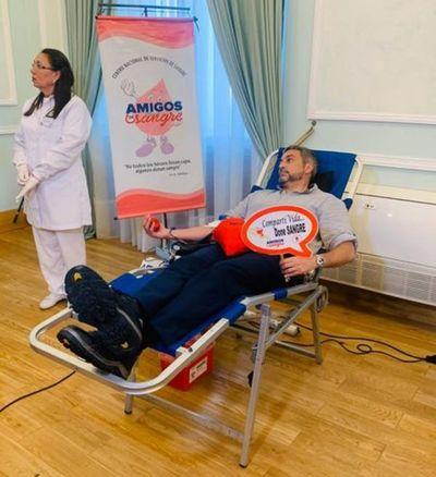Mario Abdo con reposo por síntomas de dengue