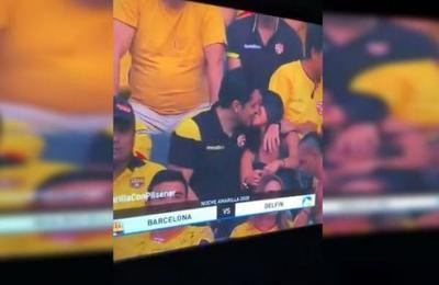 Con las manos en la masa: el momento en que la Kiss Cam captó una infidelidad en vivo