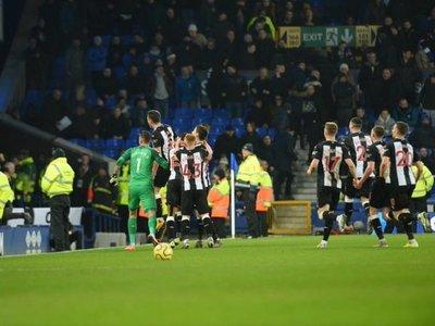 Newcastle roba un punto al Everton con una espectacular reacción