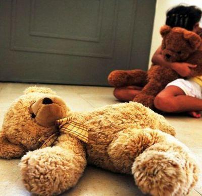 Rescatan a niña que fue secuestrada y abusada por su padre