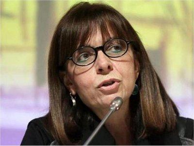 Parlamento griego elige por primera vez a mujer jefa de Estado