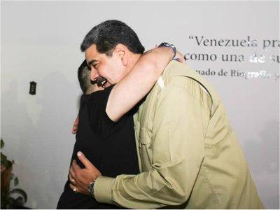 Diego Maradona visitó a Maduro en Venezuela
