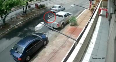 Piden ayuda para identificar a sujeto que robó G. 30 millones de una camioneta