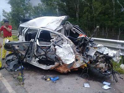Joven médica fallece en choque contra un camión en 25 de Diciembre