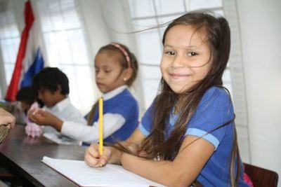 Estrategias exitosas en aprendizaje de matemática y lectoescritura se extienden a todo el país