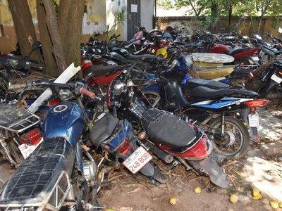 Jueza autoriza la destrucción de más de 9.500 vehículos abandonados